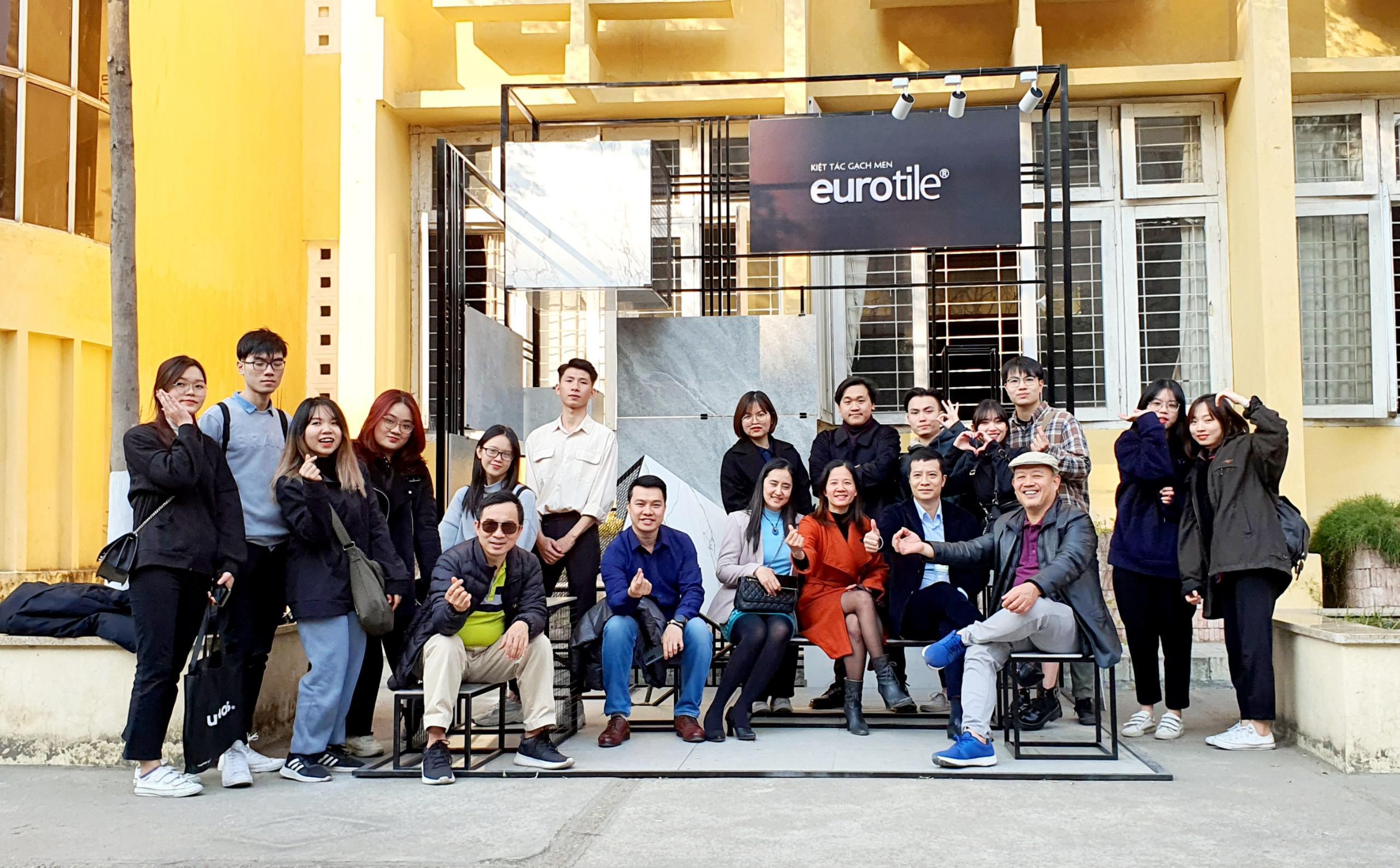 Triển lãm kết quả thực tập Đại học MTCN 2021: Gian hàng lấy cảm hứng thiết kế từ gạch ốp lát Eurotile đạt giải ba toàn khối